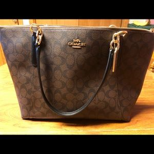 Coach Brown and Black Tote with zipper closure NWT